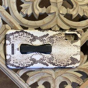 Kelly Wynne phone case